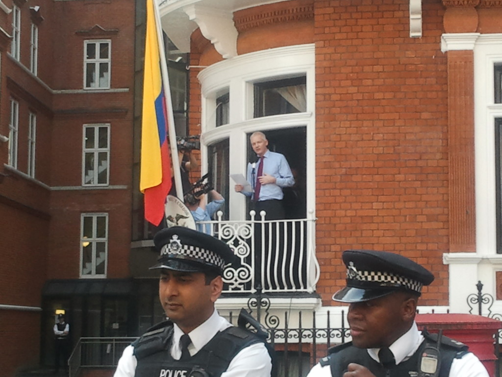 Assange_speech_at_Ecuador_embassy