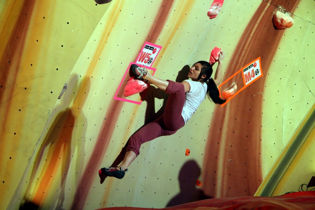 Alex_Puccio_-_Battle_in_the_Bubble_2010_-_Boulder,_Colorado