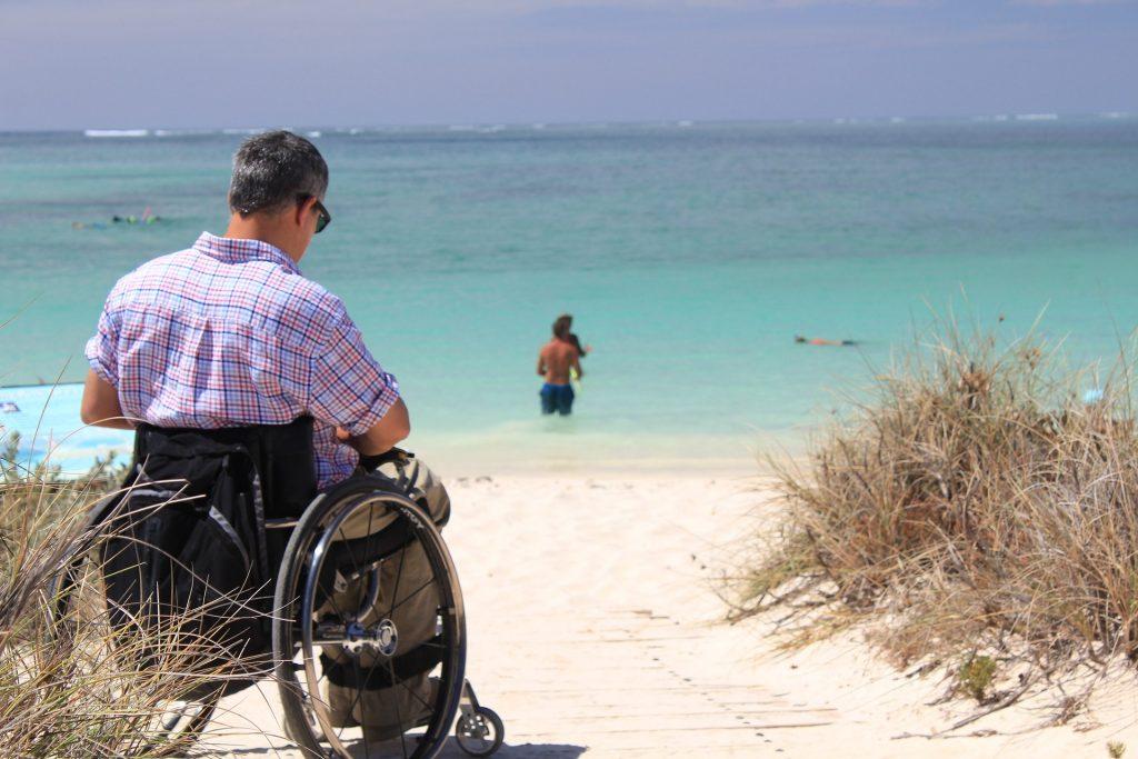 wheelchair-999622_1920