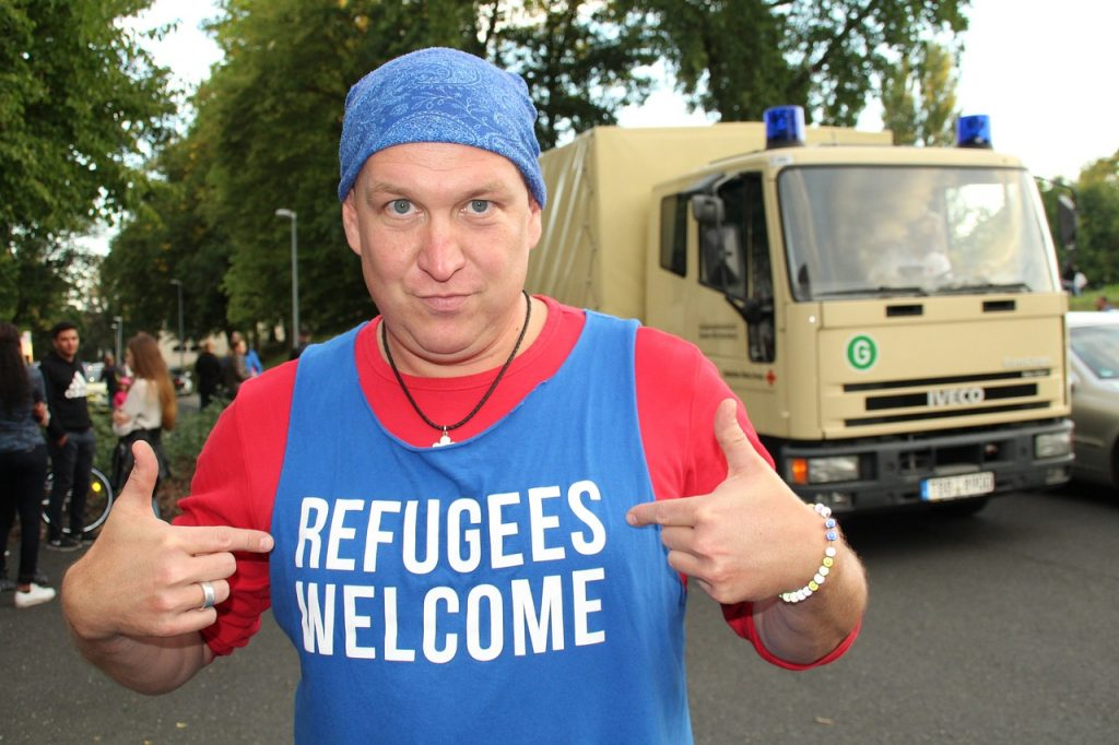 refugees-950338_1280