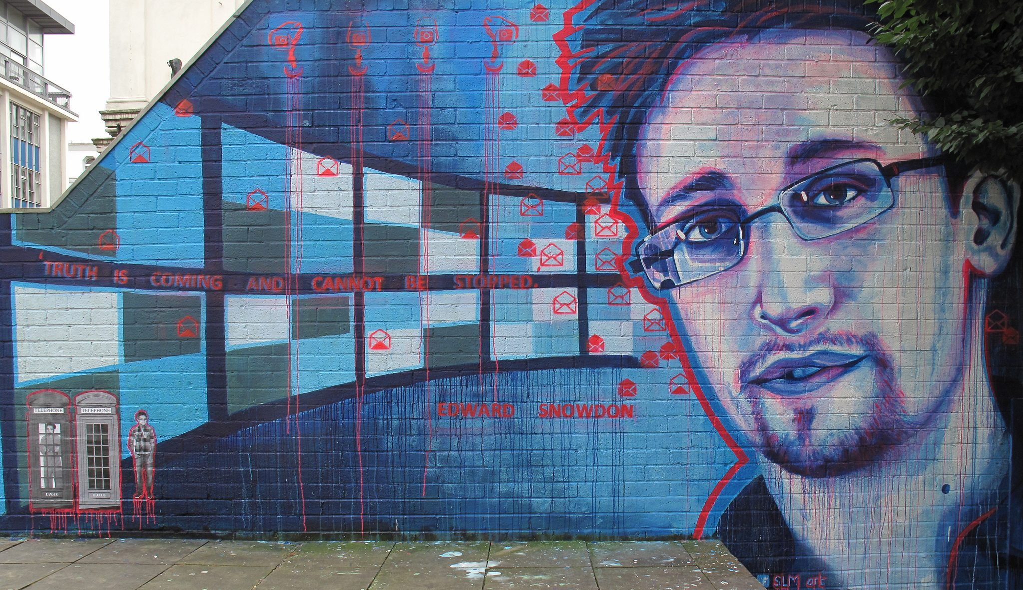 Edward Snowden grafitti