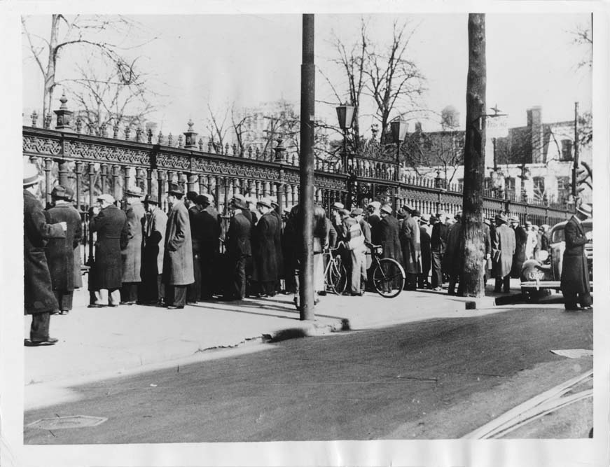 The crowd gathered to view Stork Derby contestants entering the building to present their claim to the prize