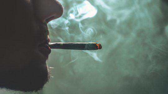 MPs: Decriminalise Personal Drug Possession To Curb Deaths
